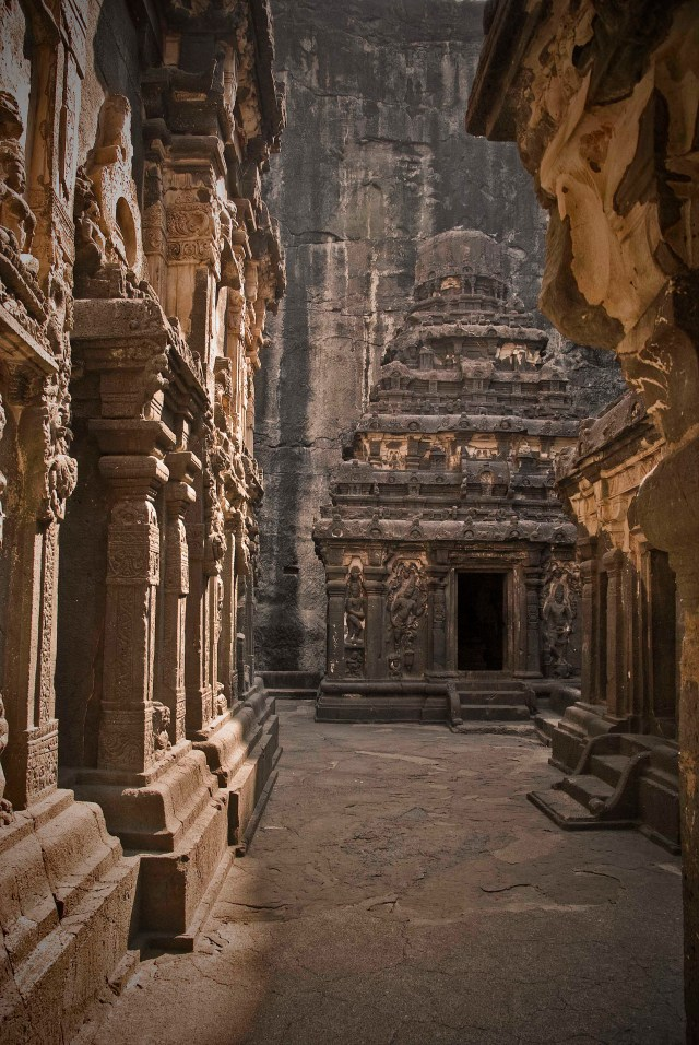 On the floor above the main entrance to the temple enclosure, you can take a walk around and discover smaller mini temples built out of the same rock. Amazing!
