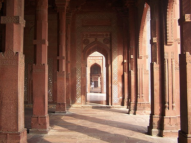 Akbar the greatest Moghul emperor tried to unite India by marrying a Christian, a Hindu and a Muslim wife. His fort in Agra has four corners uniting different faiths by depicting and fusing architectural motifs from all over the world. He tried to fuse different perspectives in his fort in Agra that housed his harem.