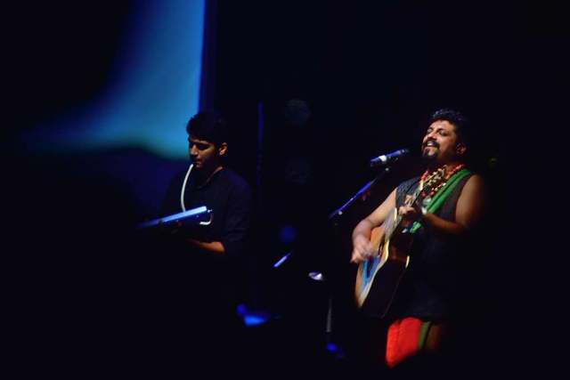 The Raghu Dixit project is a commercially successful band. They have made many trips to the UK and ended up collaborating with well known folk groups there. I was more enamoured by their sense of dress than the music per se.